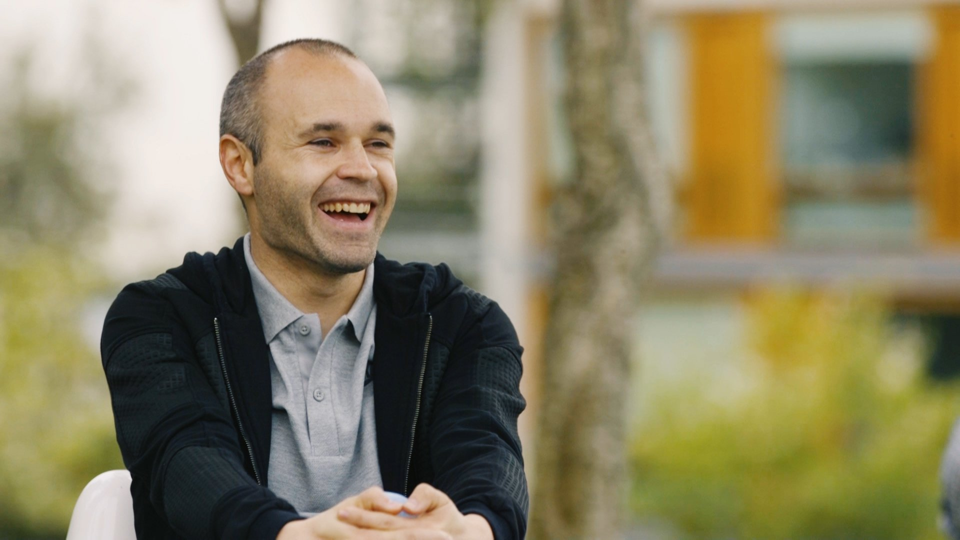 Interview of Iniesta and his technical staff